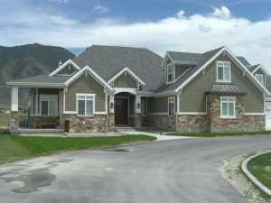 highlands ranch stone siding home